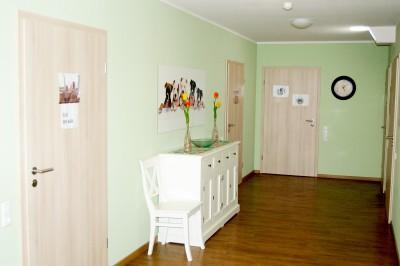 Ansicht des Flurs mit Zugang zu den Einzelzimmern